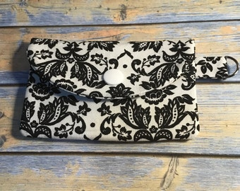 Snap Id Card Holder/Wallet Black and White Print
