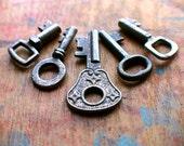 Tiny Antique Key Set / Bulk Keys // Holiday PreSale - Save 10% - Coupon Code HOLIDAZE