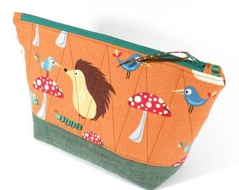 ZIPPER POUCH - Hedgehog - Cosmetic Bag Orange