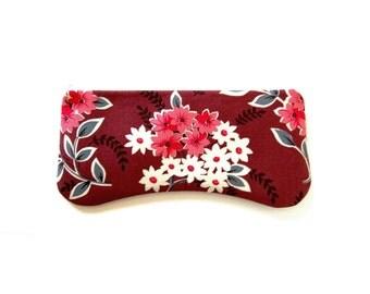 Clutch Purse Zipper Pouch Women's Handbag Daisy Bouquet in Berry Denyse Schmidt County Fair