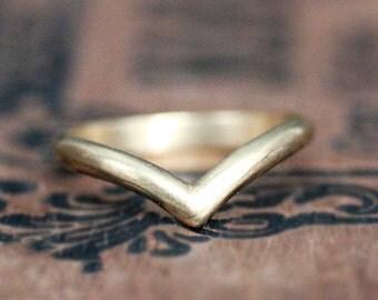 gold chevron ring, gold wedding band, 14k stacking ring, 14k gold wedding band, modern wedding band, indie wedding ring, ready to ship sz 8