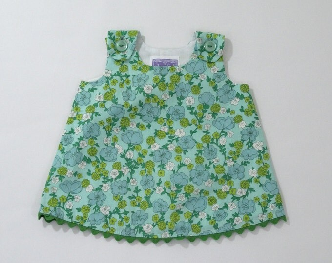 Newborn Dress, Girls Dress, Green Vintage Floral Girls Pinafore Dress, Girls Sundress, Baby Shower Gift, New Baby Gift, Newborn Dresses