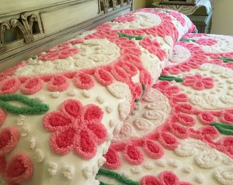 Vintage Chenille Bedspread - Pink Flowers - Full or Queen Coverlet - Blanket - Cotton Spread - Vintage Bedding