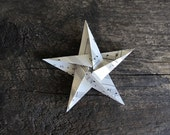 10 Origami Stars Made From Vintage Sheet Music