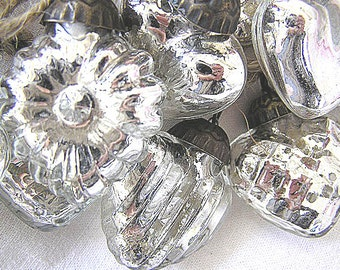 NEW!  Hand Strung Silver Heart Shaped Mercury Glass Ornament Garland