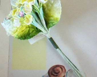 Vintage / Forget Me Nots / One Miniature Nosegay / Cheerful Yellow / Variegated Velvet Rose Leaves