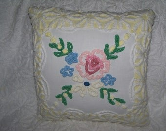 Pillow Cabin Craft Chenille Roses Yellow Daisy Pillow Vintage Chenille Bedspread Pillow sewbuzyb