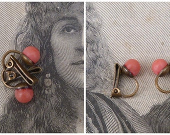 Vintage Antique  1900/1920s French extra small coral clips earrings