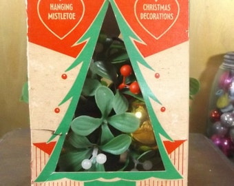 Vintage Hanging MisstleToe Ball-Box-Great Kissing Ball Christmas Ornament
