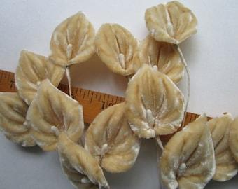 18 Velvet Beige Aroid Araceae Vintage 1950s Leaves Millinery Hat Trims Wired