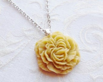 75% Off Sale, Butter Taupe, Peony Flower Necklace