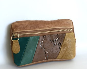 Leather wallet in golden brown/green