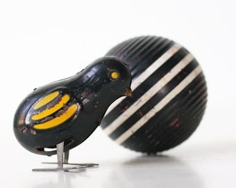 Vintage Black and Yellow Bird