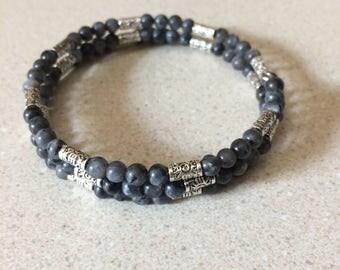 Gray stone silver bead memory wire bracelet - glass