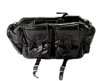 Vintage 1980s 80s Black Leather Travel Bag Menswear Unisex Streetwear