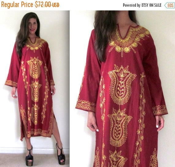 SALE SECTION / 50% off Vintage 70s 80s Oxblood Gold Metallic Embroidered Caftan