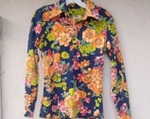 30% OFF SALE 70s floral shirt / long sleeve navy blue lime orange floral polyester blouse / small medium