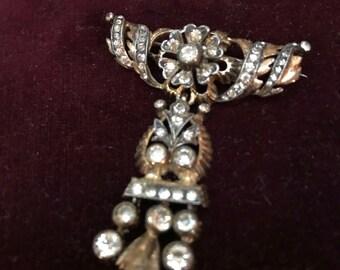 Vintage regal rhinestone pin