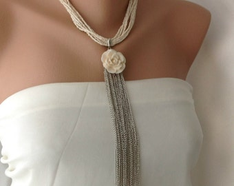 Handmade Pendant Necklace Decorated with Resin Flower Brooch and Silver Tassel
