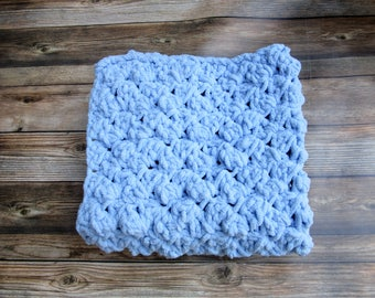 Crochet Newborn Posing Blanket, Chunky Baby Layering Blanket, Blue Infant Bump Blanket, Baby Boy Photo Prop, Car Seat Blanket