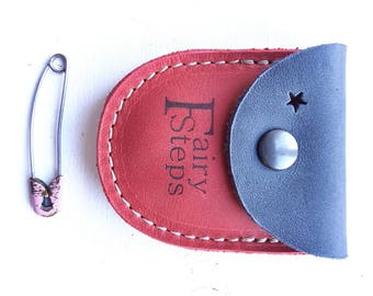 DUST tiny coin purse #3258 moody blue poppy red