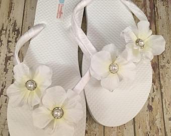 Jessie Bridal Flip Flops, Custom Flip Flops, Floral Dancing Shoes, Bridal Sandals, Wedding Flip Flops, Beach Wedding Flip Flops Bridal Shoes