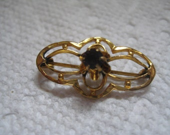Art Deco 10K Yellow Gold Filigree and Garnet CRR or C Ray Randall Pin