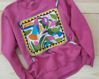 Vintage Raglan Sweatshirt // Vtg Made in the USA Pink Fleece Sweater Top with Colorful Hand Stitched Applique