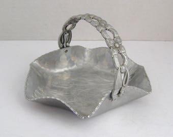 Vintage Aluminum Hand Hammered Tulip Basket Candy Dish With Handle Rodney Kent