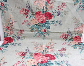 Vintage Fabric, 1 Yard of Vintage 1980 Cotton Decor Fabric, Large Rose Floral Bouquet on Sage Green Background, Pillow Cover, Small Projects