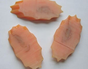 3 pcs. vintage tested bakelite butterscotch diagonally cut scalloped edge unpolished slices