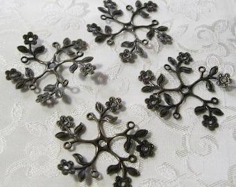 Antique Bronze Flower Leaf Vine Filigree Pendants Lead Free 37mm 537