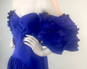 Vintage 1980s Ruffled Sleeve Off The Shoulder Soanish Style Flamenco Prom Dress Formal