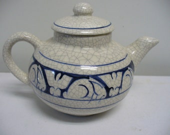 Dedham Pottery One-Cup Little Teapot