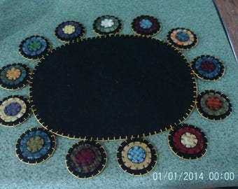Penny rug Table Runner 13x16 inch Oval with Country Pennies