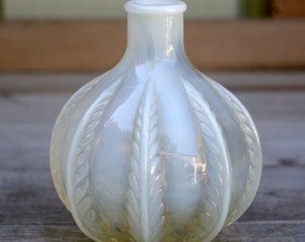Vintage DeVilbiss Perfume Bottle Opalescent Glass Plume