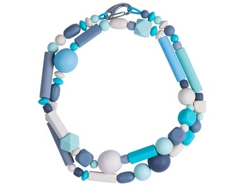 Teal necklace in resin and rubber, designed by Frank Ideas