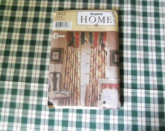 Simplicity Home  Patterns 8803 One Size Uncut