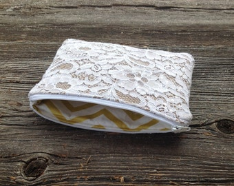 Burlap and Lace Clutch, White Wedding Bag, White Lace Purse, Bridesmaid Gift Idea, Bridal Party Gifts, Maid of Honor Clutch, Lace Wedding