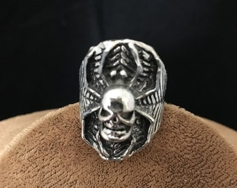 Skull and spider ring size 9 1/2