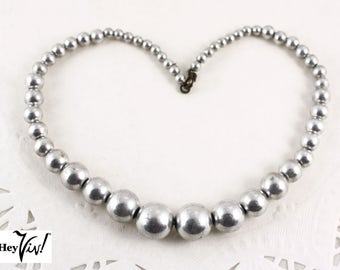 "Silver Pearl 14"" Choker Necklace - 50s Vintage Metal Beads on Wire - Hey Viv Vintage Jewelry"