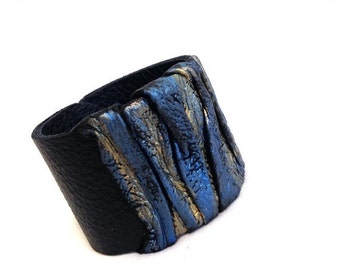 40% OFF Sale Leather Jewelry Cuffs Bracelets Wrist Bands for Women Metallic blue and gold Casual elegance collection