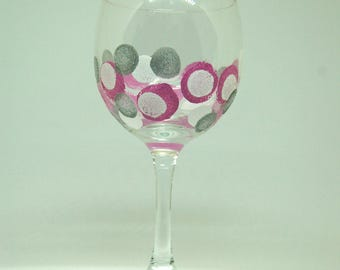 Pinka Dots - 15 oz handpainted red wine glass