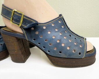 1960s Navy Perforated Platform Shoes - Size 5-6