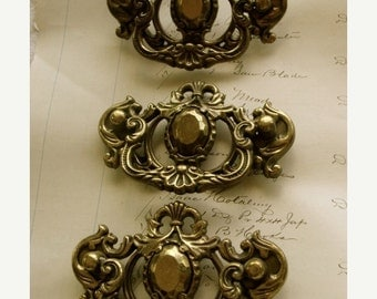 ON SALE Antique Hardware Lot 3 Beautiful Salvaged Antique Vintage Hardware Drawer Pulls Unit N0 49
