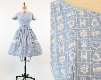50s Dress Teena Paige XS / 1950s Cotton Dress Novelty Folk Art Print  /  Pennsylvania Dutch Dress