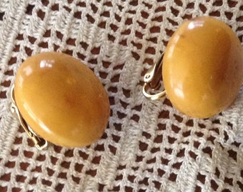 Vintage Bakelite Marbled Butterscotch Clip On Earrings, Banana Skin