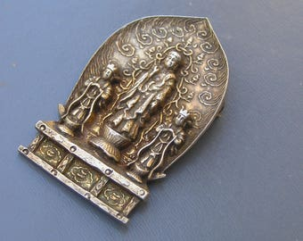 Vintage Chinese  Pin . Brooches .  Gold gilt Silver Jewelry