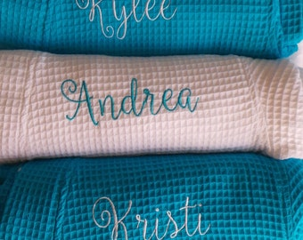 Personalized Robes Bride's robe, Maid of Honor, Bridesmaid Robes, Personalized Monogram, Name Waffle Weave Short Robes 18 Different Colors
