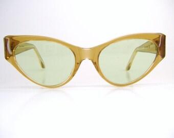 Vintage 60s Winged Cat Eye Sunglasses Eyewear